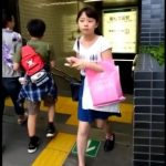 【HD盗撮動画】若松高田駅に超童顔ロリ顔女子がいると聞いてエスカレーターに張り込んでパンチラ攻略w