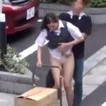 【盗撮動画】観覧注意!悲鳴やリアクション見る限りはガチ!美人制服OLのスカートを路上強襲捲りあげ!