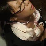 【HD盗撮動画】真面目そうなメガネOLお姉さんがトイレ内でまさかの淫乱オナニーで絶頂する決定的瞬間w