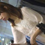 【HD盗撮動画】店内でも美人で目立ってしまう激カワギャルの小さ目のお尻を包み込むパンチラ映像発見w