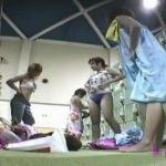 【盗撮動画】現役JKに撮影させて大問題となった伝説のシリーズ!女子更衣室でギャルの裸体を撮りまくり!