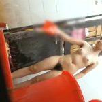 【盗撮動画】観覧注意!友達のお姉ちゃんのハダカを見たくて覗き撮りした全裸剛毛映像をネット上に公開w