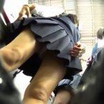 【HD盗撮動画】通学中のJK美少女ご一行様に粘着してエスカレーターやなどでパンチラを逆さ撮りしまくるw