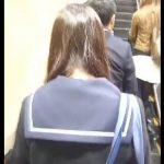 【盗撮動画】駅構内で女子高生や清楚系ギャルのスカート内を激写!危険すぎる捲りパンチラまで敢行する!
