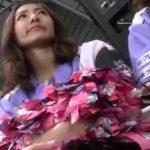 【HD盗撮動画】スタジアムで出待ちしてるチアリーダー美女の巣の表情とパンチラを撮影したオレが映像を公開w