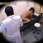 【盗撮動画】美人患者が来院するとやけに入念に女性器ばかり執着診察をしてしまう熱心すぎる変態医師w