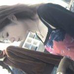 【盗撮動画】誰もが拝みたい美人ショップ店員の清楚系お姉さんの中学生レベルに小粒な胸チラ乳首GETww