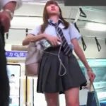 【HD盗撮動画】激カワ美少女JKを発見してパンチラを撮影しないなんて男の恥!尾行して白パンティを捕獲w