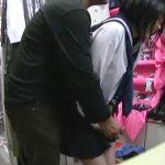 【盗撮動画】カネのためにパンティ売ろうとブルセラショップに来店したJKを餌食に悪徳店長がレイプして映像販売!