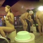 【盗撮動画】どう見ても危険すぎる女子風呂リアル映像!ギャルとババアの全裸共演シーンが大問題視されるw