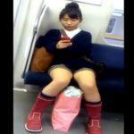 【盗撮動画】電車内で美女や美少女を発見すると何かしら期待して無断撮影!ネット公開する危険人物の作品!