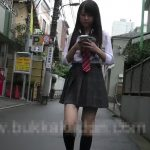 【盗撮動画】偶然にもカフェ店内で発見した美少女JKが一人になるまで尾行してチャンスを生かしてパンチラ撮影w