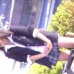 【盗撮動画】中々パンチラは見せないが抜群に可愛らしい仕草で楽しませてくれる美少女JKの股間チラ映像www