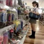 【盗撮動画】放課後の美少女JKの下半身に密着取材!ピカピアの美肌が眩しい生パンチラ映像をフラッシュ撮りwww