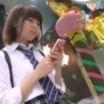 【盗撮動画】繁華街でも可愛くて目立っていた美少女JKをストーカーの如く尾行してパンチラを撮影しまくった件www