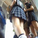 【HD盗撮動画】女子高の学園祭にパンチラ撮り師潜入!正真正銘の本物JKの輝く下半身を乱獲しまくってるwww