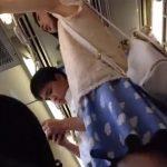 【盗撮動画】清楚で可愛いお嬢さんのパンチラ撮影!彼氏連れのようですがお構いなしに逆さ撮り攻略完了www