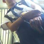 【盗撮動画】ヤッパ危険BORMAN氏の女子高生パンチラ映像!アドケナイ顔立ちの美少女のパンティを逆さ撮り!