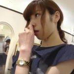 【HD盗撮動画】一生懸命に接客してくれるショップ店員のお姉さんに感銘を受けて気合入れてパンチラを撮影www