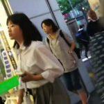 【HD盗撮動画】マジ危険すぎて堪らん!華奢なカラダ付きの美少女JKを尾行してチャンスを伺い捲りパンチラwww