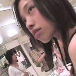 【盗撮動画】美人ショップ店員のギャルの乳首GET!胸チラを撮影させたら右に出る者はいないカリスマ撮り師!