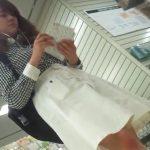 【盗撮動画】清楚系お嬢さんといった好印象な女子大生のパンチラを撮影するために店内で粘着した功績www