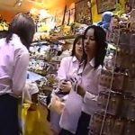 【盗撮動画】制服女子校生のパンティ!放課後の女の子達に粘着して自由気ままにパンチラを撮影したwww