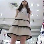 【盗撮動画】食い込みハンパねえ!凛然とした美しいショップ店員の美女を逆さ撮りするとパンチ無双状態www