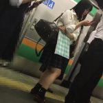 【盗撮動画】圧巻の極み!「お嬢さんパンティが食い込んでますよ、それとバッグには精液をおかけしました」