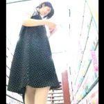 【HD盗撮動画】書店で立ち読みしてるショートヘア美人JDのロングスカート内からパンチラを逆さ撮りしたwww