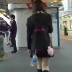 【HD盗撮動画】尾行は計画的に!まずは美少女JKを見つけ出してさり気なく後を追いスカート捲りパンチラwww