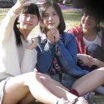 【HD盗撮動画】まさしくアイドル級の激カワ美少女の黒パンティ!無防備な股間からパンチラ視姦www