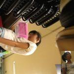 【盗撮動画】え!マジで!可愛らしいお嬢ちゃんの「ぱんちゅ」を逆さ撮りしたマニアすぎるパンチラ撮り師!