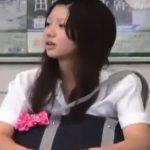 【盗撮動画】激カワ美少女JKの甘い香りがしそうなピンクパンティ!パンチラを正面撮りで数十分も凝視する!