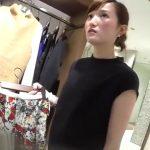 【盗撮動画】逆さHERO!上品で綺麗な大人のお姉さんといった印象のショップ店員さんのパンチラ!