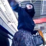 【盗撮動画】ゴメンナサイ、もうしません!スカート捲りパンチラを美女にバレて必死の形相で叩かれました!!