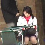 【盗撮動画】精子を掛けた激闘!街中で美人ギャルを見ながらシコシコして近付いてザーメンぶっ掛け!