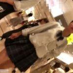 【盗撮動画】イイやつです!中●生かも知れない清純美少女な制服JKの純白パンチラを逆さ撮りwww