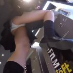 【盗撮動画】マジで使い放題!可愛い制服女子校生を逆さ撮りしたりスカート捲ったりのパンチラ撮り師!
