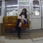 【盗撮動画】執着心がハンパない!無防備過ぎるお年頃の美少女JKを付け回してパンチラ撮影!