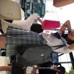【HD盗撮動画】清純ウブそうな可愛い女子校生のスカート内にカメラをブチ込んでパンチラを攻略してる!!