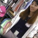 【盗撮動画】逆さHERO作品!ショップ店員の清楚系美人お姉さんの白いフトモモとパンチラを攻略www