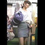 【HD盗撮動画】イイやつです!最高画質のカメラで股間を凝視!電車対面の美人過ぎるギャルのパンチラ!