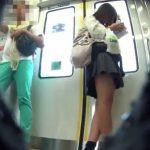 【盗撮動画】電車内で美脚女子高生を逆さ撮り!鮮度抜群なフトモモとパンチラの魅力をお届けwww