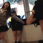 【盗撮動画】放課後のJK美少女達に密着するとパンチラ見放題だった件について映像報告するwww
