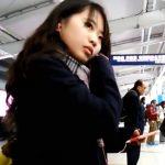 【盗撮動画】イイやつです!超可愛い制服美少女をエスカレーターまで尾行してスカート捲りパンチラ!!