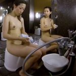 【HD盗撮動画】イイやつです!女子風呂でスレンダー美乳ギャル二人組の全裸を女撮り師が収穫!!