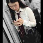 【HD盗撮動画】イイやつです!清純ピュアな優等生美少女のJKを電車で逆さ撮りパンチラGETwww