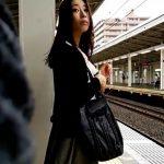 【HD盗撮動画】危険人物ふくろう出没!綺麗なお姉さんばかりを尾行して禁断の捲りパンチラ!!