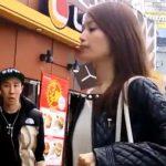 【HD盗撮動画】イイやつです!街中でも目立ってしまう超SSS級美女を尾行して危険すぎる捲りパンチラ!